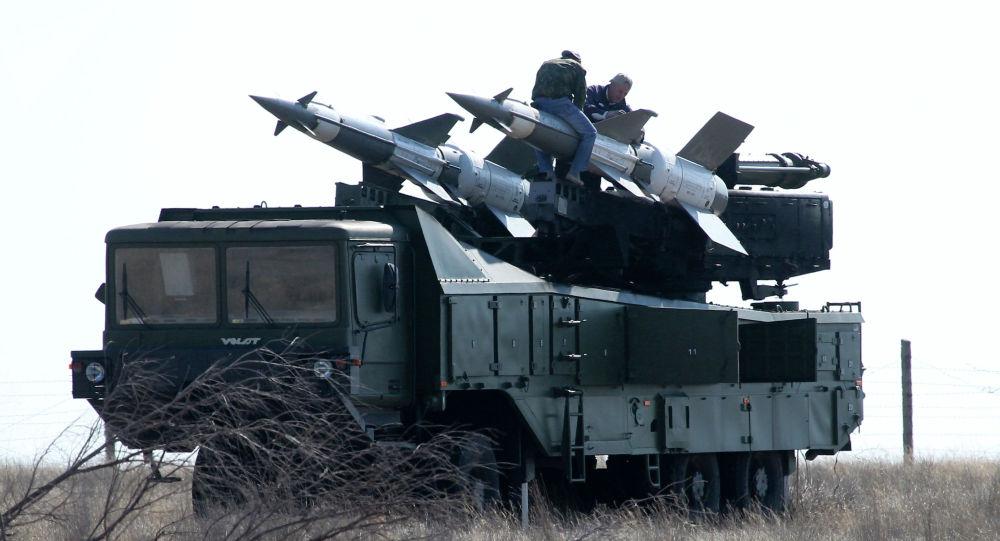 Зенитный ракетный комплекс на полигоне во время учений. Архивное фото