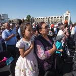 Кыргызстандын мамлекеттик гимни жаңырууда.