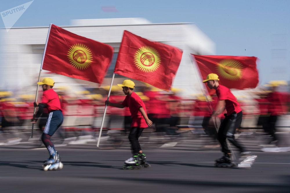 Кыргызстан 31-августта эгемендүүлүгүнүн 28 жылдыгын белгиледи. Негизги майрамдык иш-чара Бишкектеги Ала-Тоо аянтында өттү.