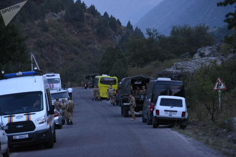 В нем также были задействованы 332 спасателя, 40 работников лесного хозяйства, 15 представителей местной власти и 50 военнослужащих Нацгвардии