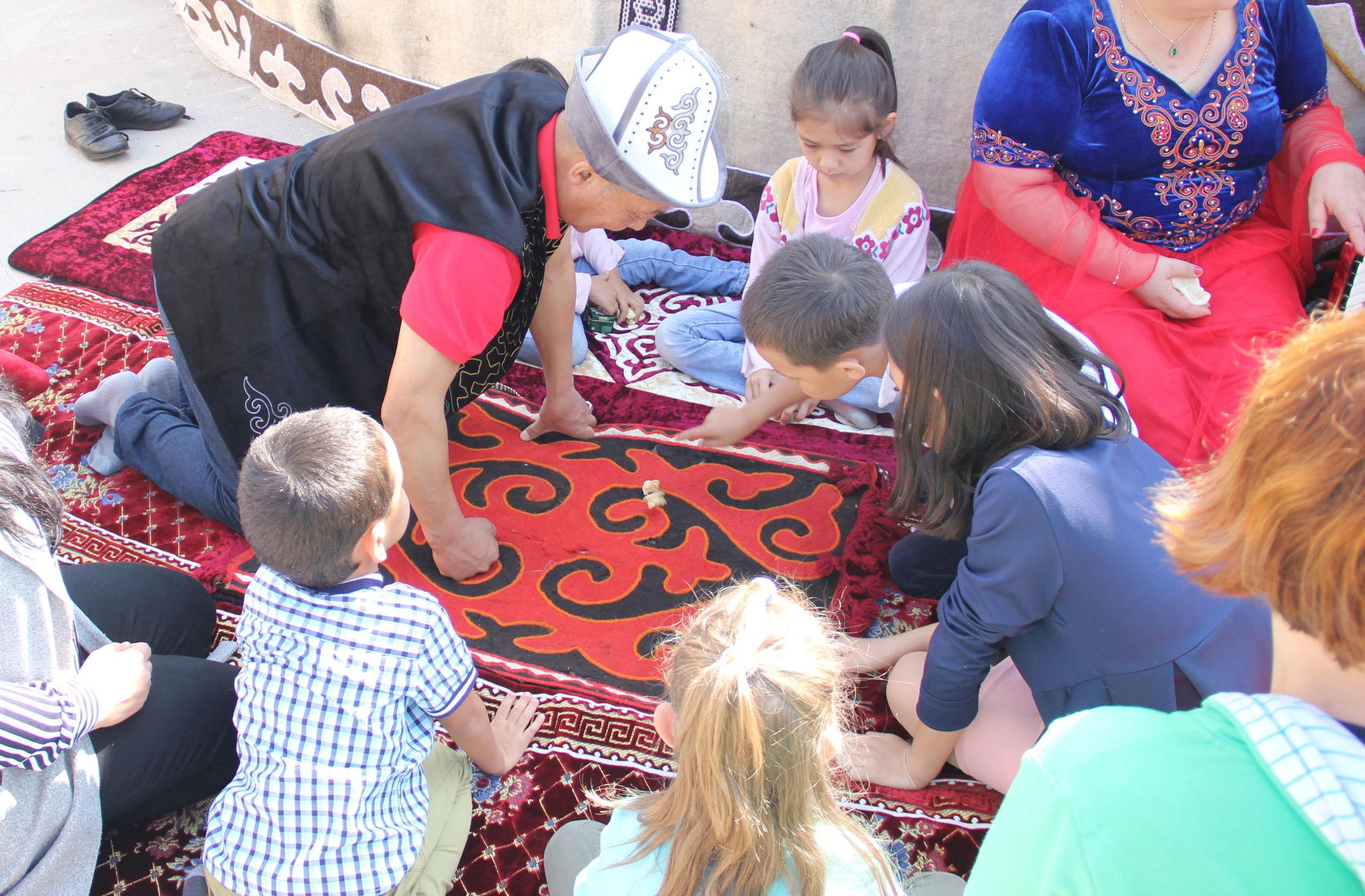 Один из главных праздников Кыргызстана — День независимости — с большим размахом отметили и в столице России
