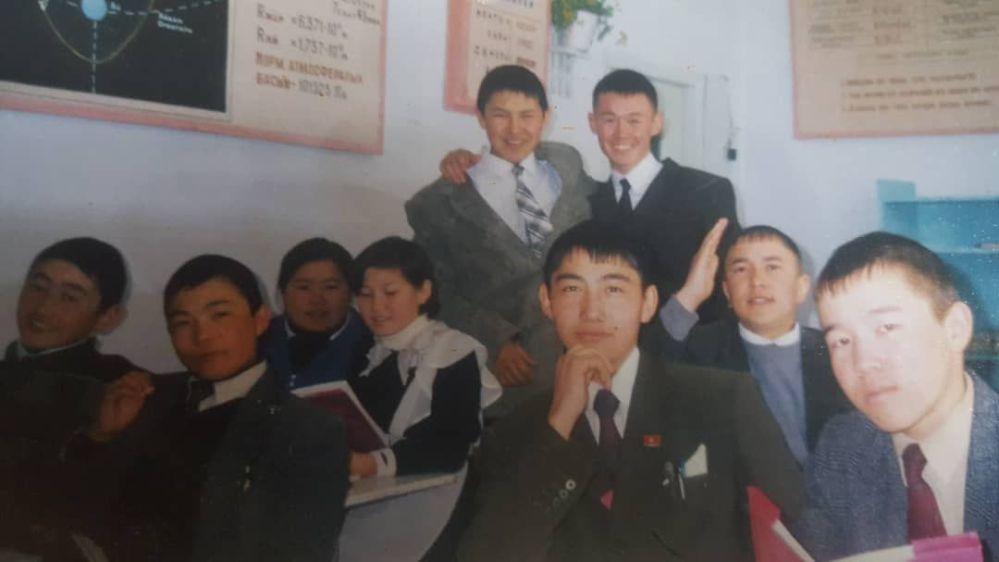 Министр культуры, информации и туризма Азамат Жаманкулов  в школьные годы