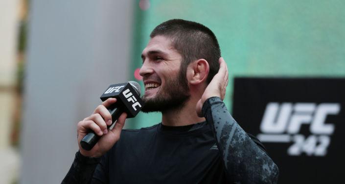 Чемпион UFC Хабиб Нурмагомедов во время открытой тренировки в Абу-Даби. Объединенные Арабские Эмираты 4 сентября 2019 года