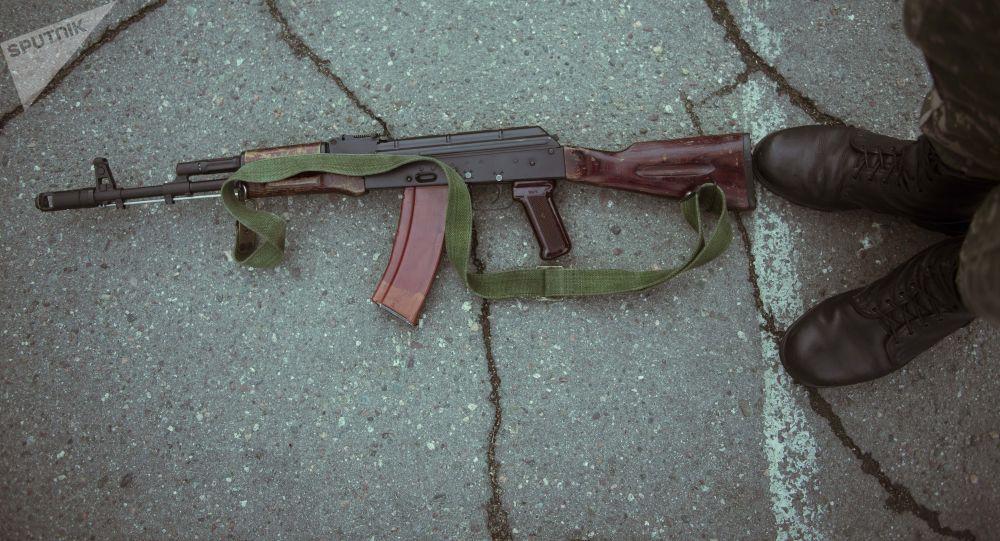 Автомат Калашникова. Архивдик сүрөт