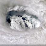 Центр урагана Дориан с борта МКС