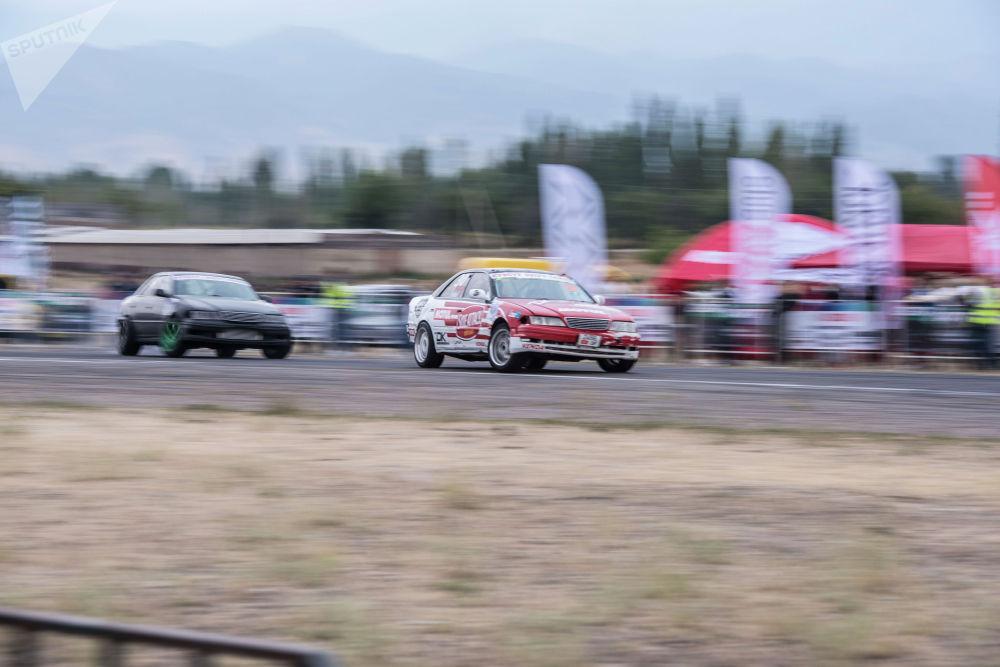 Финалда эки Toyota Mark II беттешти. Бул таймашта кара унаанын айдоочусу Игорь Гусев жеңүүчү аталды.