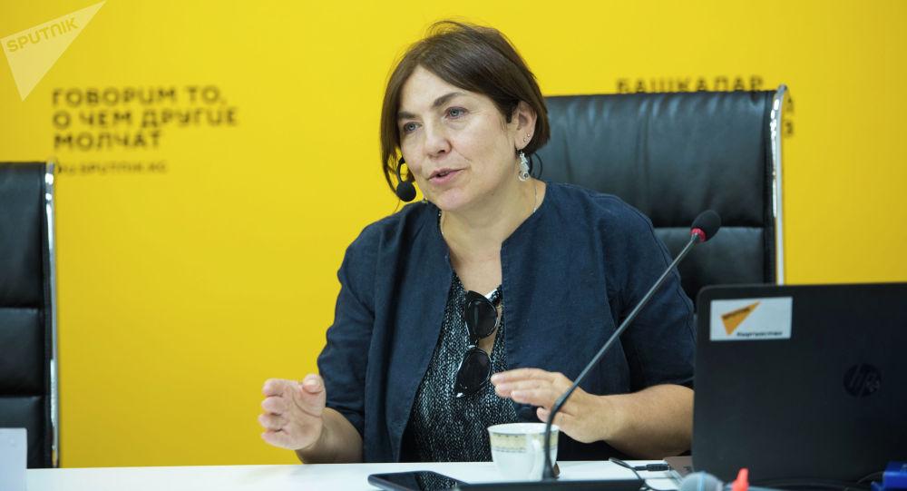 Медиаменеджер и продюсер из России Наталья Лосева во время мастер-класс для журналистов кыргызстанских СМИ в рамках международной программы SputnikPro.