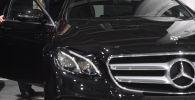 Автомобиль Mercedes. Архивное фото