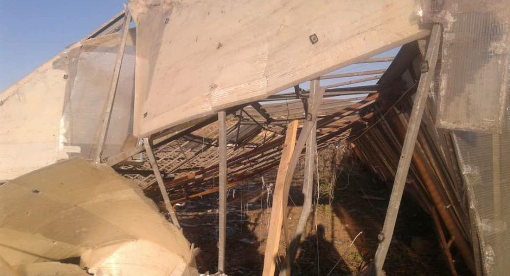 Последствия сильного ветра в городе Каракол Иссык-Кульской области