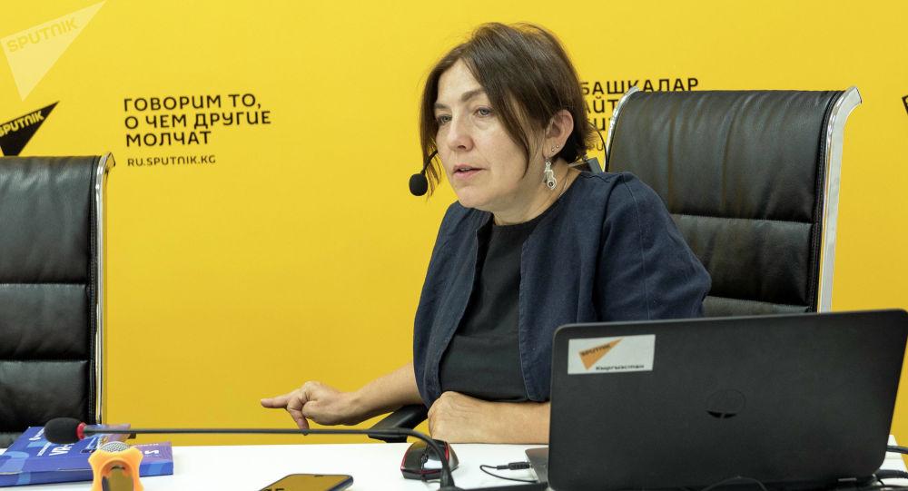 Медиаменеджер Наталья Лосева во время мастер-класса для студентов факультетов журналистики кыргызстанских вузов в рамках международной программы SputnikPro в мультимедийном пресс-центре Sputnik Кыргызстан.