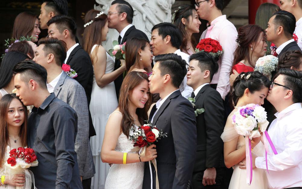 Массовая свадьба в Куала-Лумпуре