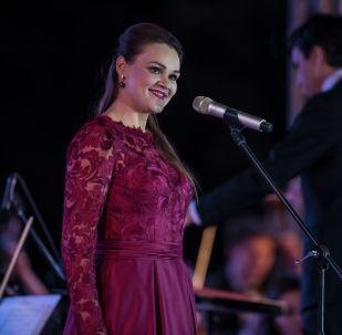 Зрители пришли в восторг от завораживающих голосов солистов Полины Шамаевой (меццо-сопрано)...