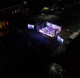 14 сентября в центре Бишкека состоялось грандиозное музыкальное событие: на сцене международного фестиваля Tengri Music выступили именитые артисты из Москвы.