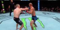 UFC Fight Night 158 турниринин башкы беттешинде америкалык мушкерлер Жастин Гэтжи менен Дональд Серроне күч сынашты.