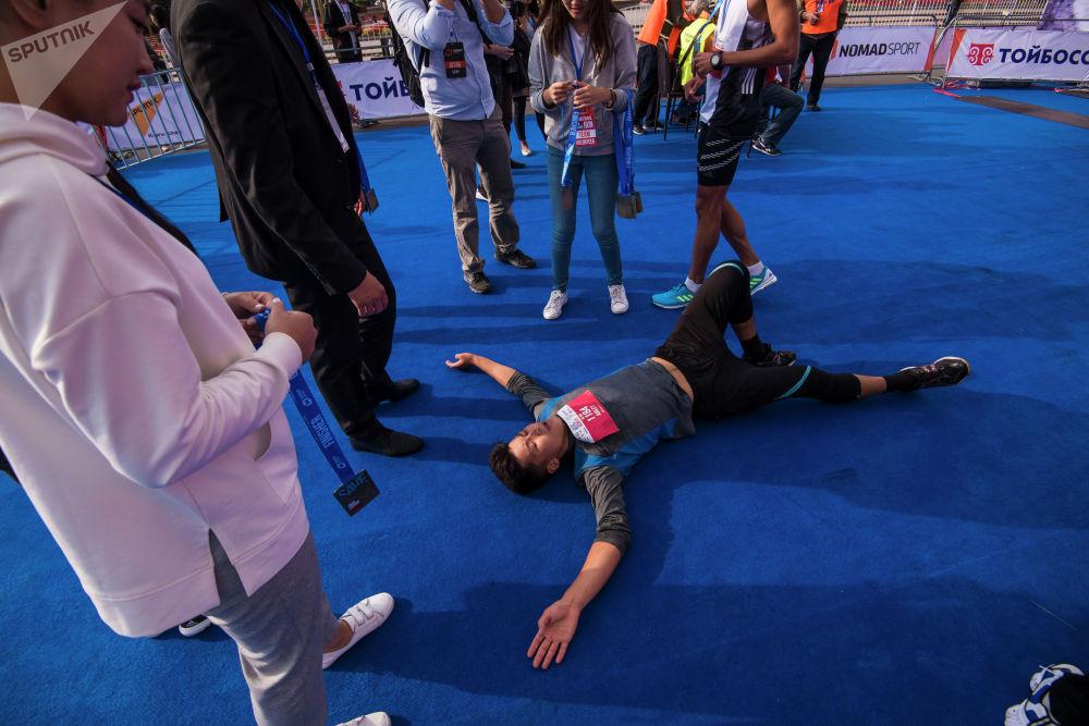 Некоторые участники в итоге валились с ног...