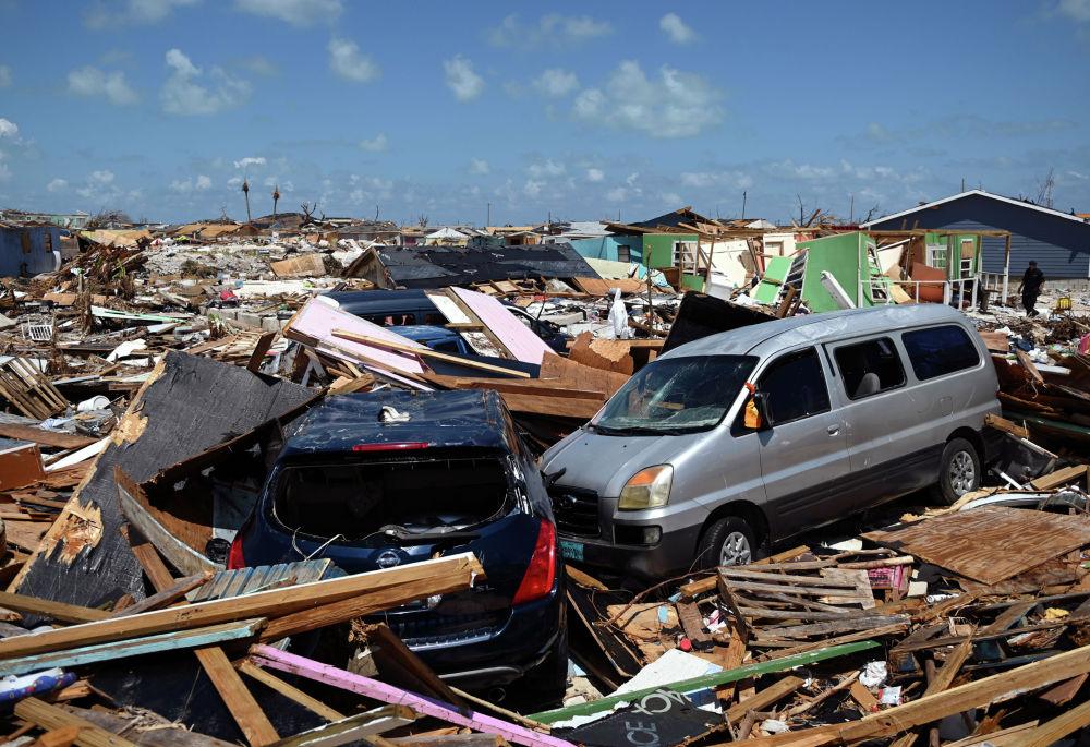 Последствия урагана Дориан на Багамах. Жертвами урагана стали 50 человек. Международная федерация обществ Красного Креста и Красного Полумесяца (IFRC) сообщала, что на Багамах разрушены или повреждены 13 тысяч домов.