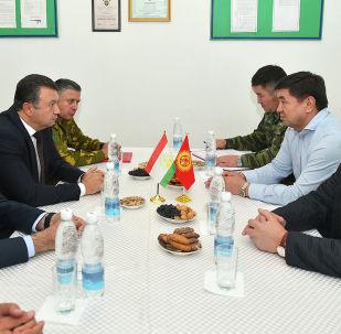 Премьер-министр Мухаммедкалый Абылгазиев Тажикстандын өкмөт башчысы Кохир Расулзода менен жолугушту