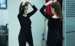 В этом году в Мисс Кыргызстан — 2019 участвует необычная девушка. Несколько лет назад врачи поставили Ангелине Гараниной диагноз — остеосаркома. Единственным способом победить рак была ампутация ноги. С тех пор Ангелина передвигается на биомеханическом протезе.
