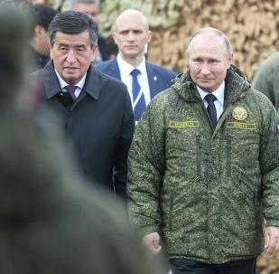 Президент РФ Владимир Путин и президент Кыргызстана Сооронбай Жээнбеков