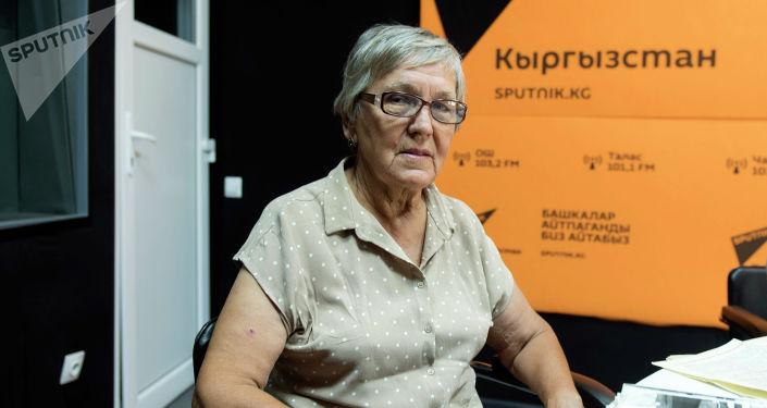 Ветераны строительства БАМа Мадина Голышева во время беседы на радио Sputnik Кыргызстан