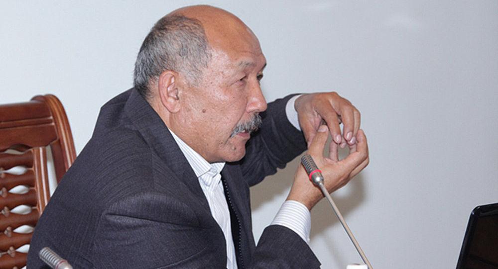 Экс-член Центральной комиссии Ишенбай Кадырбеков. Архивное фото