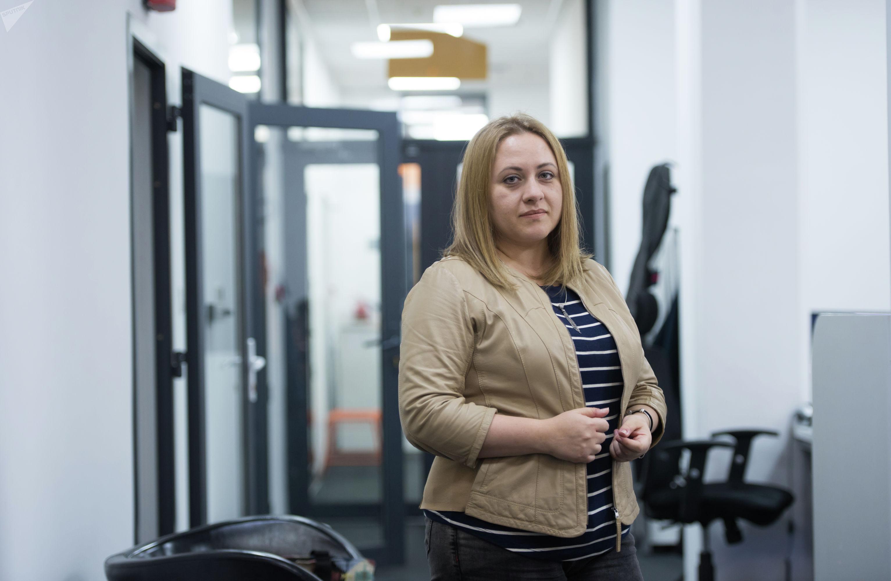 Консультант по влиянию и противодействию социально-психологическому манипулированию Юлия Денисенко