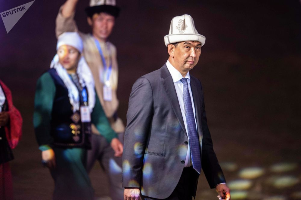 Мэр Бишкека Азиз Суракматов на официальной церемонии закрытия I Национальных игр кочевников в Таласской области