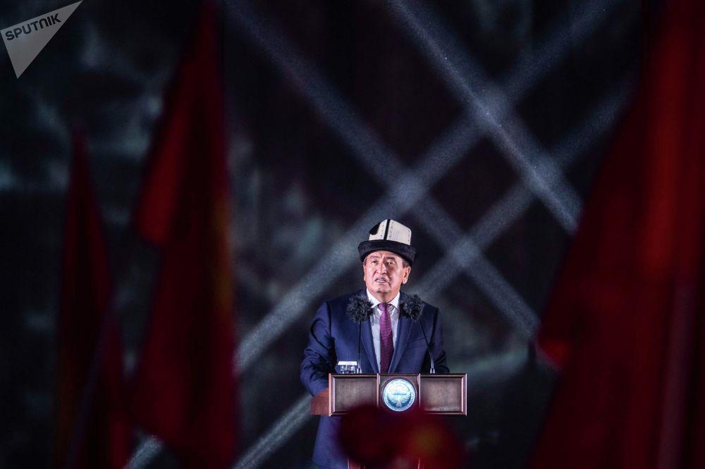 Президент Кыргызстана Сооронбай Жээнбеков на официальной церемонии закрытия I Национальных игр кочевников в Таласской области