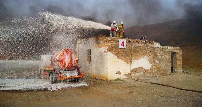 Кыргызстан, Өзбекстан жана Тажикстандын Өзгөчө кырдаалдар министрликтери Баткенде биргелешкен машыгуу өткөрдү.