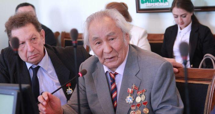 Акын Рамис Рыскуловдун архивдик сүрөтү