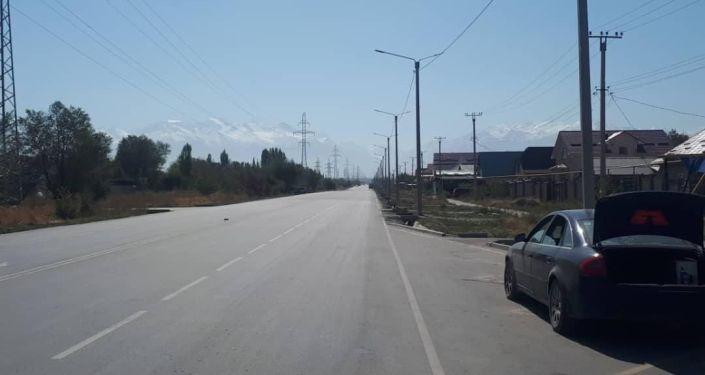 В Бишкеке начались работы по установке освещения на 14 недавно отремонтированных улицах