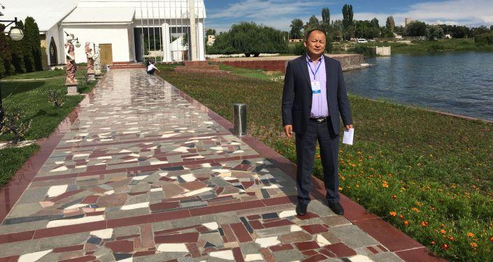 Кытайдын Кызыл-Суу облусунда туулуп-өскөн журтташыбыз Кадыр Алы