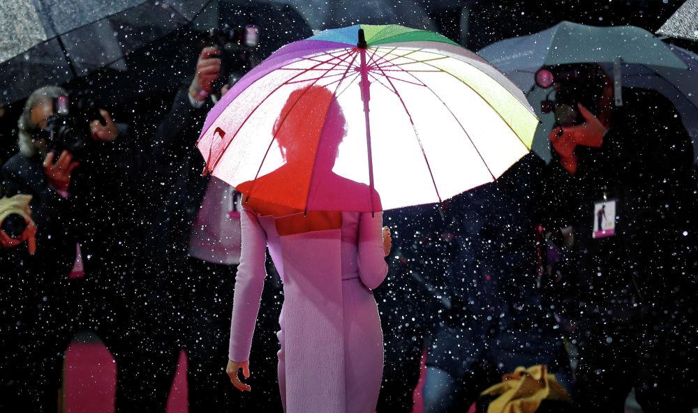 Голливудская актриса Рене Зеллвегер на премьере фильма Джуди в Лондоне