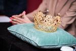 Новая корона для конкурса красоты Мисс Кыргызстан — 2019 в Бишкеке