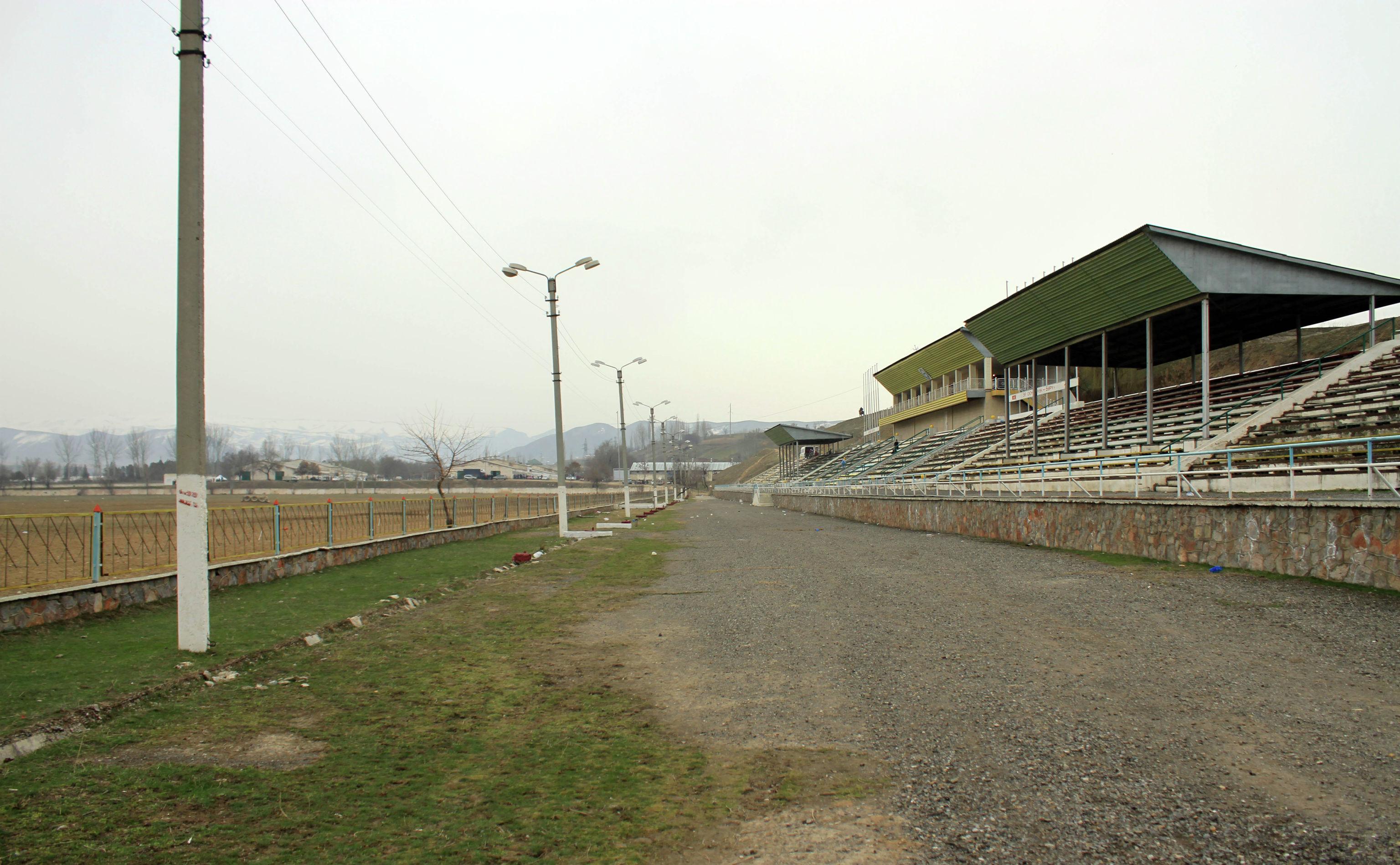 Ипподром Телтору находится в селе Ынтымак в Сузакском районе Джалал-Абада