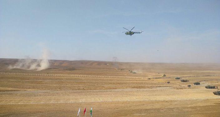 Военные учения кыргызских и узбекских пограничников в Баткенском районе