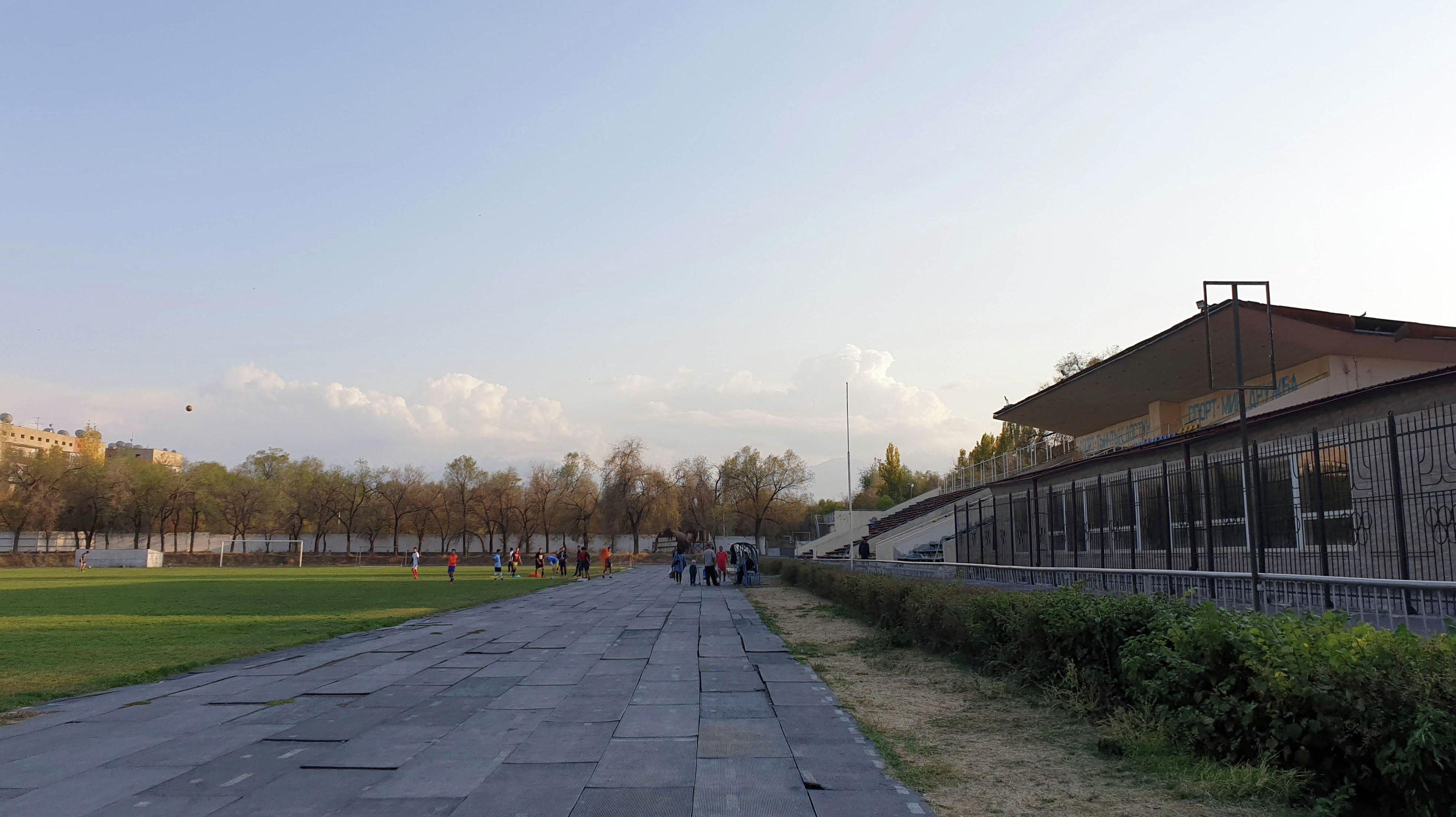 Спортивный комплекс Манас в Кара-Балте построено в 1956 году