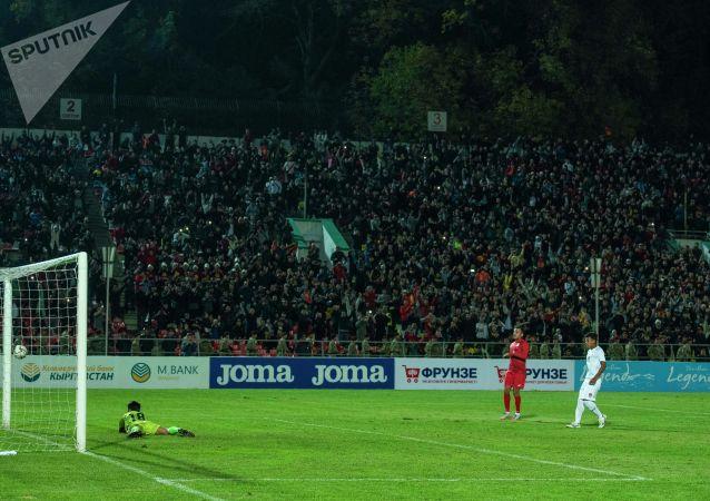 Трижды забил Эдгар Бернхардт, дважды Алимардон Шукуров. Также отличились Гулжигит Алыкулов и Валерий Кичин.