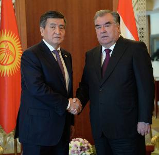 Президент Сооронбай Жээнбеков Тажикстандын президенти Эмомали Рахмон менен жолукту.