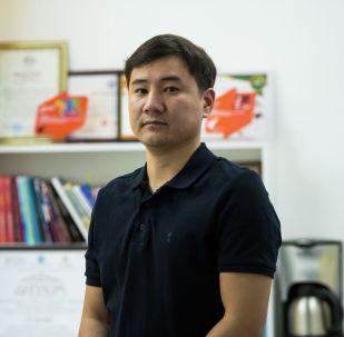 Борборубуздагы жеке клиникалардын биринин пластикалык хирургу Улукбек Маматов