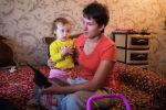 Ольга Чигерина вспоминает стены больничной палаты. Она со слезами рассказывает, как уносили тело ребенка, которого врачи не смогли спасти, а на его место клали ее Наденьку. Как будто она должна была стать следующей, — с болью в голосе вспоминает мать.