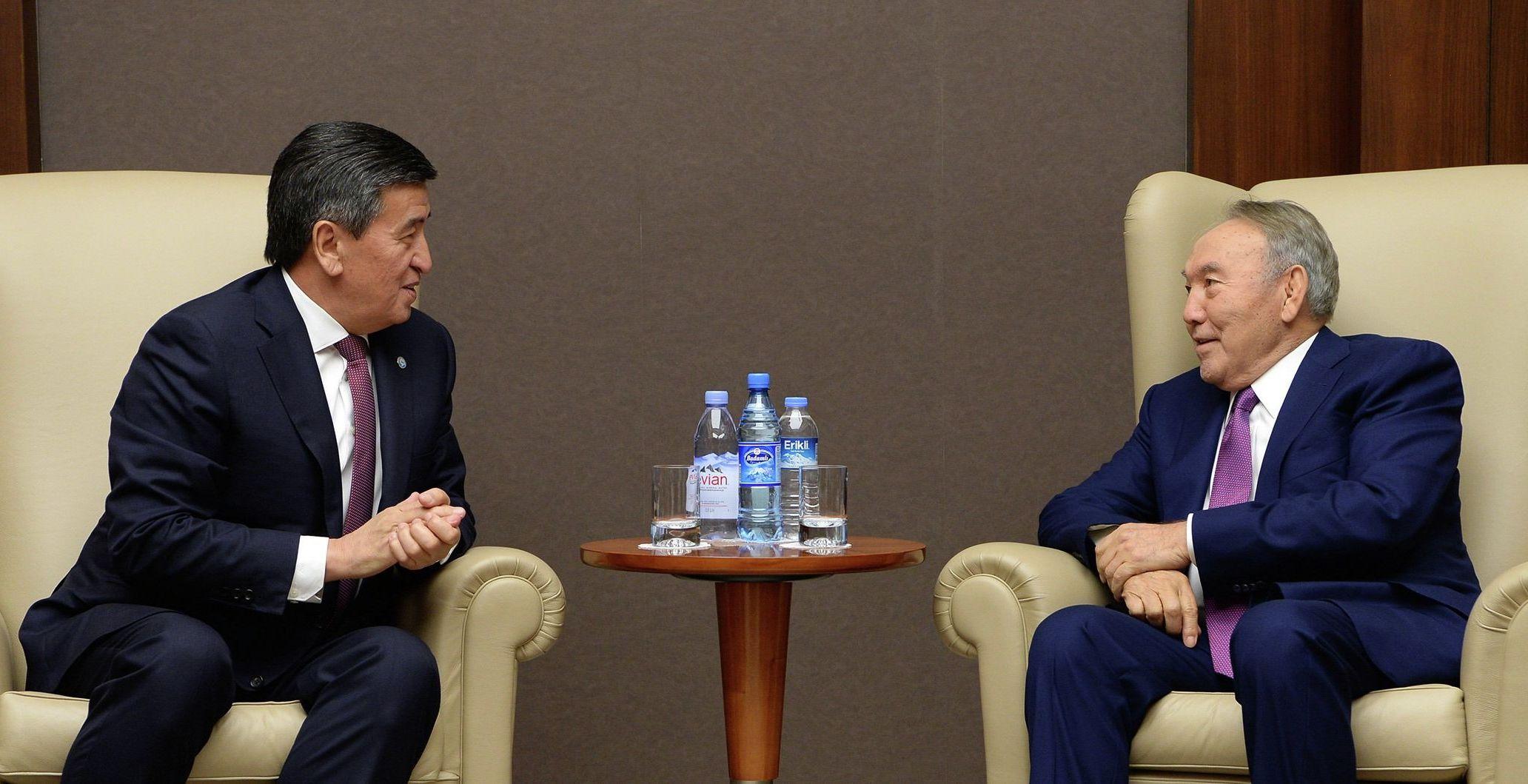 Президент КР Сооронбай Жээнбеков встретился с первым президентом Казахстана Нурсултаном Назарбаевым в Баку