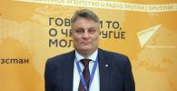 Руководитель Общественного института развития такси Станислав Швагерус во время беседы на радио