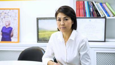 Визажист Сырга Камчыбекова, за многолетнюю карьеру успела поработать и в Чехии, и в Арабских Эмиратах, и в Турции