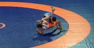 На YouTube-канале Объединенного мира борьбы опубликовано видео победной схватки кыргызстанского борца Улукбека Жолдошбекова, завоевавшего золотую медаль Чемпионата мира по борьбе среди молодежи.