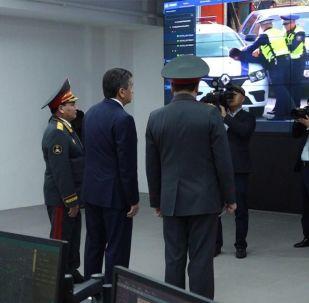 Камеры распознают лица — Жээнбекову показали задержание подозреваемого