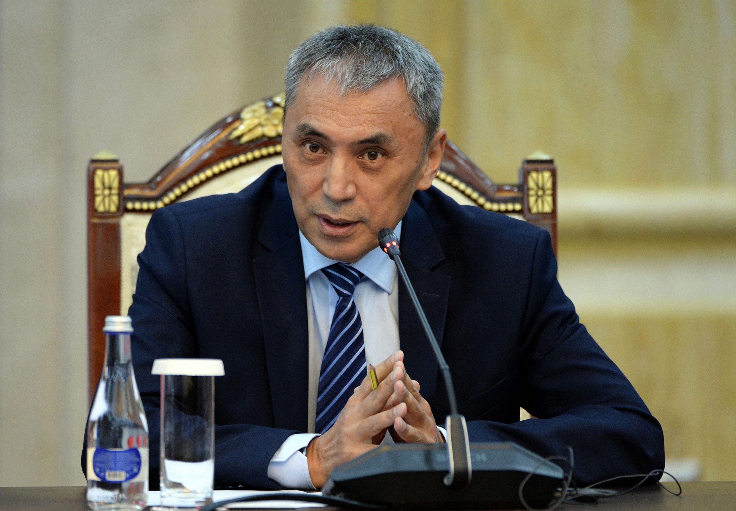 Директор информационного агентства Кабар Кубан Таабалдиев во время встречи с президентом