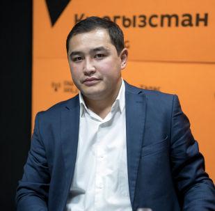 Электр энергиясын иштеп чыгуу жана берүү бөлүмүнүн эксперти Аскат Абылаев