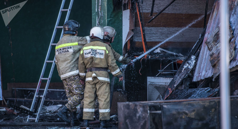 Пожар на точке фастфуда Антошка на пересечении проспектов Чуй и Эркиндик