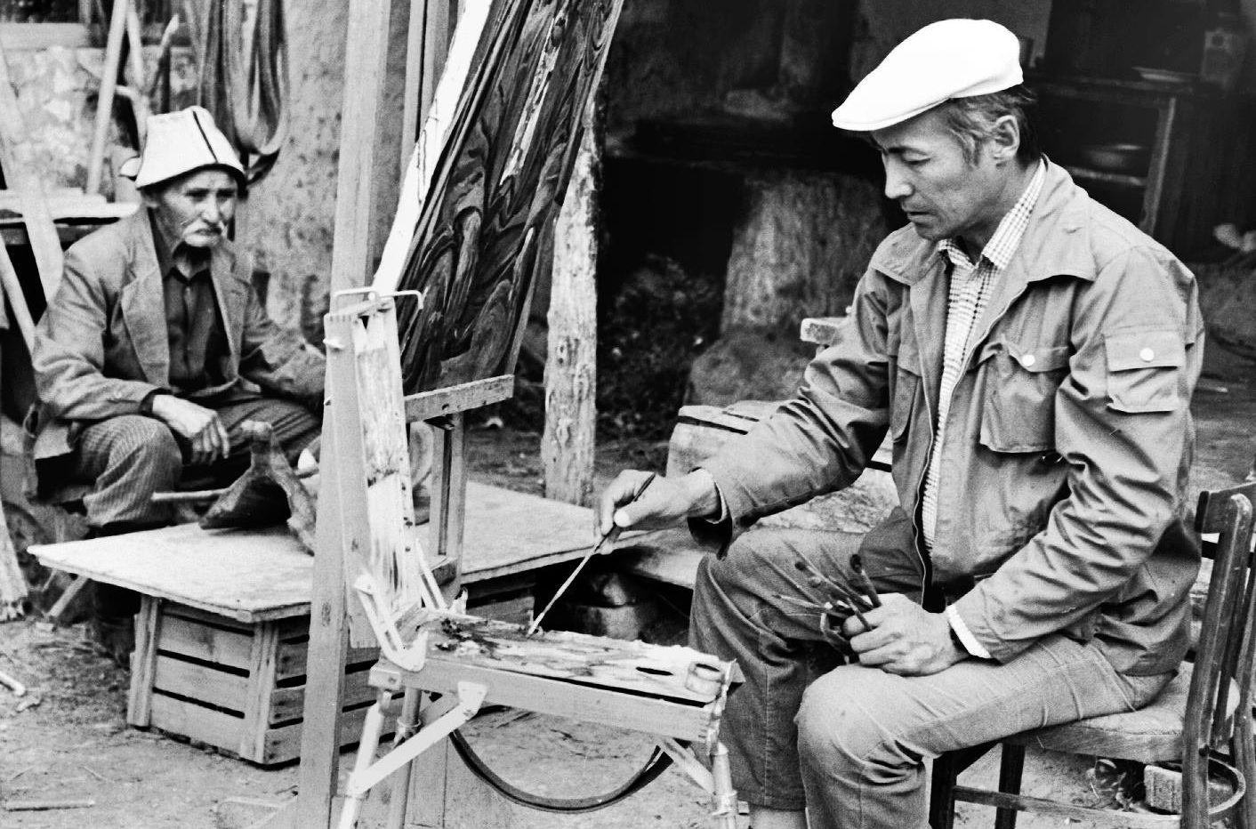 Несмотря на активную актерскую деятельность, Суйменкул Чокморов не бросал живопись. Он написал около 800 картин.